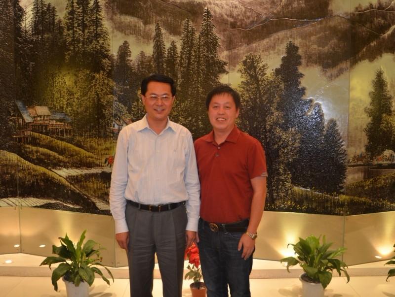 新疆生产建设兵团党委书记政委车俊同志亲切接见我司总经理